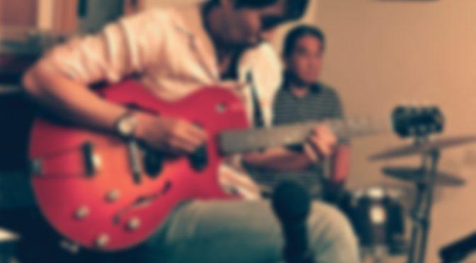 ギター練習してます
